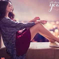 Bollywood actress Deepika Padukone is new brand ambassador of Indian domestic airline Vistara based in Gurgaon with its hub at Delhi-Indira Gandhi International Airport. Indian Celebrities, Bollywood Celebrities, Bollywood Actress, Bollywood Stars, Indian Bollywood, Deeps, Dipika Padukone, Deepika Padukone Style, Star Wars