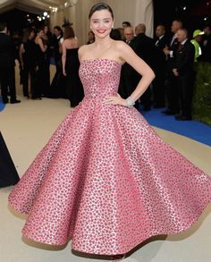 Miranda Kerr in Oscar de la Renta at The Met Gala 2017.