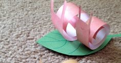 A fun and easy paper craft project. Materials: lightweight paper in several different colors for snail green paper for l. Craft Projects, Projects To Try, Easy Paper Crafts, Green Paper, Snail, Different Colors, Library Lessons, Young Children, Life Skills