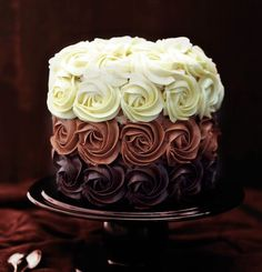 Icing and roses The Most Beautiful Layered Cakes You've Ever Seen • Page 3 of 5 • BoredBug