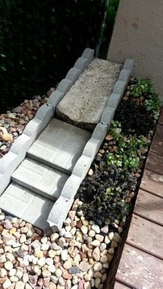 This kind of photo is undeniably a noteworthy design alternative. Backyard Projects, Outdoor Projects, Garden Projects, Backyard Ideas, Porch Ideas, Diy Projects, Backyard Drainage, Gutter Drainage, Landscaping With Rocks