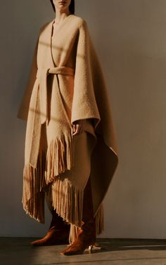 Get inspired and discover ARJÉ trunkshow! Shop the latest ARJÉ collection at Moda Operandi. Knitted Cape, Wool Cape, Cape Coat, Poncho Coat, Blanket Coat, Shearling Coat, Jacket Style, Modest Fashion, Autumn Winter Fashion
