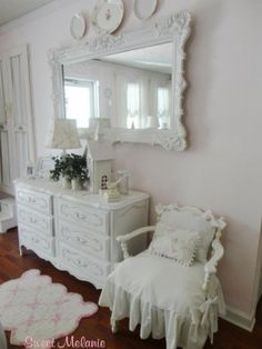 shabby cottage decor | Shabby Chic Cottage living room & wall decor