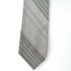 "New Men/'s Poly Woven 2.5/"" skinny neck tie /& hankie set coral Gray Navy Wedding"