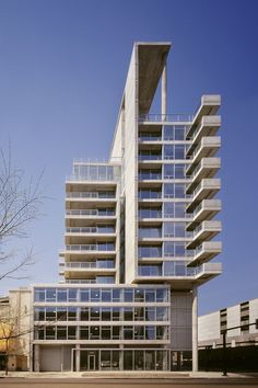 Built by Perkins + Will in Chicago, United States with surface 96000.0. Images by Steinkamp/Ballogg Photography. Contemporaine is a 28-unit condominium building located on a corner lot in the River North area of urban Chicago.  Th...