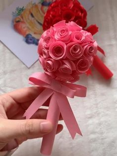 Cool Paper Crafts, Paper Flowers Craft, Paper Crafts Origami, Flower Crafts, Diy Paper, Diy Crafts Hacks, Diy Crafts For Gifts, Diy Arts And Crafts, Valentine Crafts