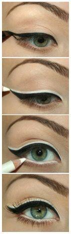 <3 Eyeliner Finish .