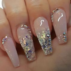 There are three kinds of fake nails which all come from the family of plastics. Acrylic nails are a liquid and powder mix. They are mixed in front of you and then they are brushed onto your nails and shaped. These nails are air dried. Glam Nails, Fancy Nails, Cute Nails, Pretty Nails, My Nails, Vegas Nails, French Nails Glitter, Cute Acrylic Nails, Acrylic Nail Designs