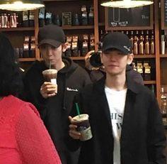 """""""você tem uma nova mensagem"""" Baekhyun e Chanyeol sempre foram muito… # Fanfic # amreading # books # wattpad Baekhyun Chanyeol, Exo Chanbaek, Park Chanyeol, Exo Ships, Xiuchen, Kpop Exo, Exo Members, Husband Love, Fine Men"""