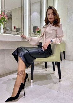 Black Leather Pencil Skirt, Leather Skirts, Sexy Bluse, Classy And Fab, Floral Triangle Bikini, Sexy Rock, Pencil Skirt Outfits, Bow Blouse, Satin Blouses