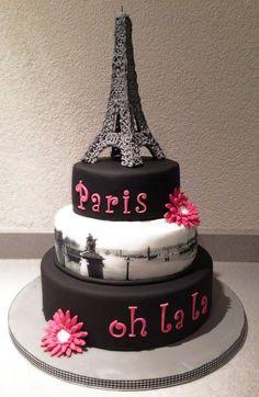 Le wedding cake Thème Paris : Tour Eiffel