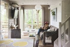 It's a treehouse in France. Ikea Ps 2012, Ikea Sofa Bed, Cozy Reading Corners, Salons Cosy, Room Of One's Own, House Inside, Tiny House Plans, Cozy Living Rooms, Small Living