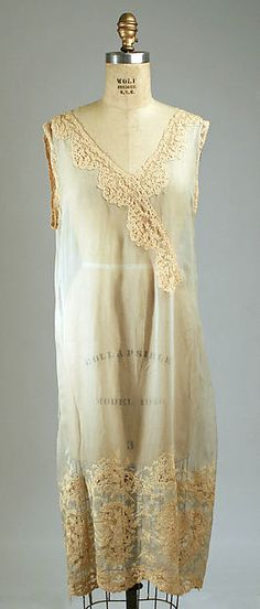 Nightgown Date: 1929 Culture: American Medium: silk Dimensions: [no dimensions available] Credit Line: Gift of Henson-Kickernick, Inc., 1974 Accession Number: 1974.175