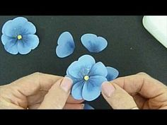 Tutorial for making Pretty Paper Pansies