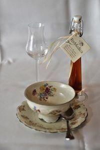 Coffee, Liqueur, Coffee Cup, Glass, Benefit From Coffee Cups, Tea Cups, Perfect Cup, Place Card Holders, Tableware, Glass, Benefit, Coffee Mugs, Dinnerware