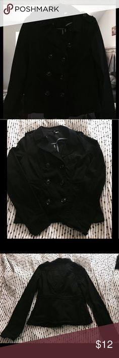 ✨H&M double breasted trench jacket✨ H&M double breasted trench jacket in black - In perfect condition, worn maybe 3 times ? - No discoloration or any wear and tear - Jacket is perfect to wear by itself or to throw a think sweatshirt underneath for an extra layer - Jacket has front pockets and come with extra buttons on the inside - Size:8 H&M Jackets & Coats