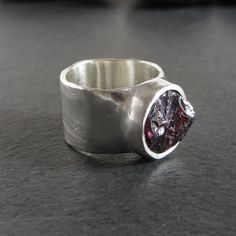 Sterling silver and rough garnet ring // size 6 / by ferosferio