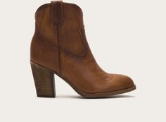 FRYE | Ilana Short - Cognac  Cowboy boot