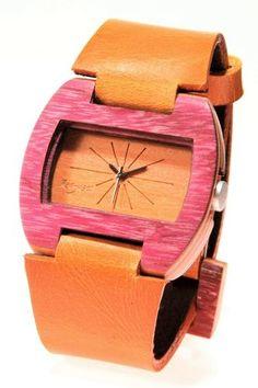 Reloj de Pulso en madera marca Maguaco RM001. Maderas: Nazareno y Carreto Guajiro. $170.000 COP