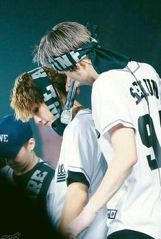 Baekhyun, Sehun - 160910 Exoplanet - The EXO'rDium in Bangkok Credit: littlePilll. Exordium Exo, Baekhyun Chanyeol, Chanbaek, Kaisoo, Exo Couple, Exo Concert, Exo Korean, Kim Minseok, Wattpad
