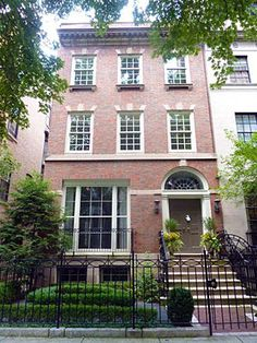 Heart-breakingly perfect brick townhouse c1885 on tres posh North State Parkway in the Gold Coast, Chicago, Illinois.
