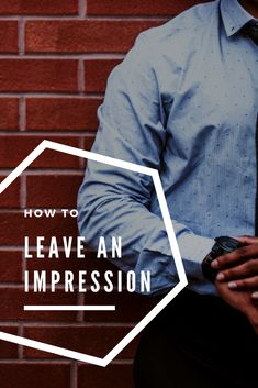 Easy ways to leave an impression that stays. How to exchange business cards in a classy way! Business Tips, Online Business, Business Cards, Mail Marketing, Content Marketing, Tips Online, Top Blogs, Meeting New People, Blog Tips