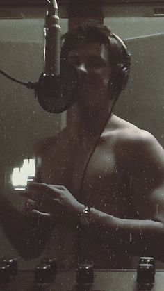 Shawn Mendes just recording in the studio. Shawn Mendes Shirtless, Stupid Girl, Mendes Army, Chon Mendes, Never Be Alone, Ethan Dolan, Chainsmokers, Army Love, Meme Lord