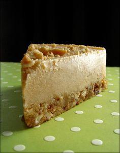 Vegan and raw peanut butter cheesecake
