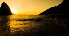 Amanhecer visto da praia Vermelha, na zona sul do Rio de Janeiro #Brasil