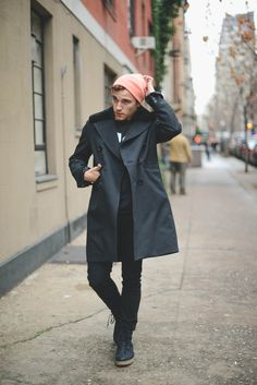 Black Out style for winter by Justin Livingston on Fashion Indie Mens Fashion Blog, Fashion Moda, Style Fashion, Sharp Dressed Man, Well Dressed, Justin Livingston, Stylish Men, Men Casual, Mode Man