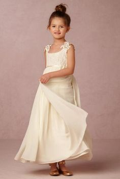 66.03$  Buy here - http://aliy5a.worldwells.pw/go.php?t=32693505077 - 2016 Free Shiping Flower Girls Dresses For Wedding Gowns Ivory Girl Birthday Party Dress Chiffon Flower Girl Dresses