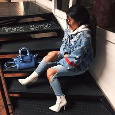 blue purse, white hoodie, and blue ripped jeans image Fashion Killa, Look Fashion, Urban Fashion, Winter Fashion, Mode Outfits, Trendy Outfits, Fashion Outfits, Fall Winter Outfits, Summer Outfits