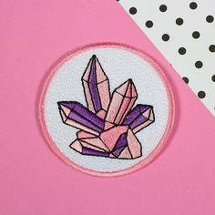Tygmärke - Rosa kristaller
