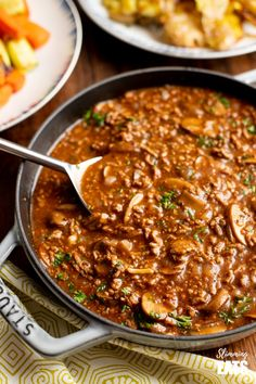 Low Syn Rich Mustard Beef with Mushrooms – the perfect meal for the whole family. Slimming World Beef, Slimming World Recipes Syn Free, Slimming Eats, Slimming World Minced Beef Recipes, Healthy Beef Recipes, Meat Recipes, Vegetarian Recipes, Recipes For Mince, Recipies