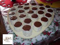 Fincsi receptek: Kókuszos sütik Stepping Stones, Cookies, Baking, Cake, Food, Oreos, Hungary, Crack Crackers, Stair Risers