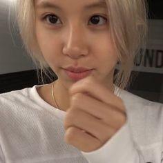 Kpop Girl Groups, Kpop Girls, Twice Video, Cute Girls, Cool Girl, Chaeyoung Twice, Star Girl, Girls World, Just Girl Things