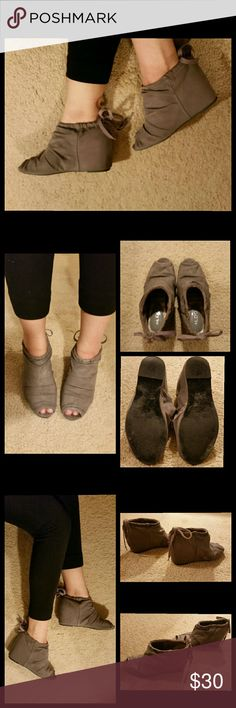 ALDO gray hidden wedges, peep toe, size 7 These adorable gray wedges are great for completing just about any look. They comes with a hidden wedge (3 inches) and are made with a canvas top and sole.  They have a peep toe design, perfect for showing off that pedicure :)  They also have slight ruching on the top which adds just the right amount of texture to the look.  Just slip them on and tie at the back of your ankle.  Worn a few times. In good condition. No visible flaws.  Aldo, size 7…