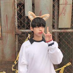 Cute Asian Guys, Cute Korean Boys, Asian Boys, Asian Men, Cute Boys, Korean Boys Ulzzang, Ulzzang Korea, Ulzzang Boy, Cute Japanese Boys
