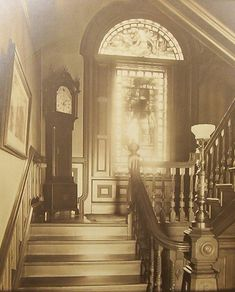 Victorian stairway, circa with a Grandfather clock. Victorian Rooms, Victorian House Interiors, Victorian Life, Victorian Design, Victorian Decor, Vintage Interiors, Victorian Fashion, Victorian Houses, Old Pictures