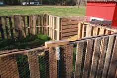 Pallet Fence for Chicken Coop