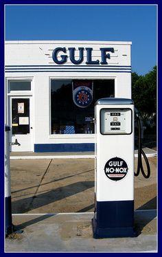 Old Gas Pumps, Vintage Gas Pumps, Vintage Auto, Vintage Stuff, Chevron Gas, Variety Store, Garage Repair, American Manufacturing, Old Gas Stations