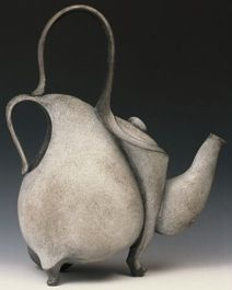 teiera panciuta See More. Pottery Teapots, Teapots And Cups, Ceramic Teapots, Ceramic Pottery, Pottery Art, Ceramic Art, Pottery Ideas, Chocolate Pots, Or Antique