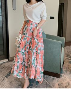 Stylish Dresses For Girls, Modest Dresses, Modest Outfits, Classy Outfits, Casual Outfits, Long Skirt Fashion, Korean Fashion Dress, Fashion Dresses, Long Skirt Outfits For Summer