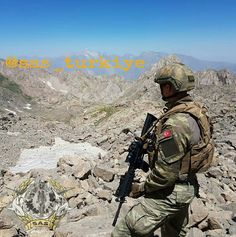 High quality images of the military (from all countries). Turkish Military, Turkish Army, Navy Eod, Navy Special Forces, Turkish Soldiers, Modern Warfare, Navy Seals, Black Ops, Armed Forces