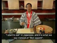 Japanese sushi master chef Kiyoshi Hayamizu and Kikkoman will show you the easy way to make maki sushi at home. Japan Sushi, Sushi Co, Diy Sushi, Sushi Recipes, Wrap Recipes, Asian Recipes, Ethnic Recipes, Japanese Dinner, Japanese Food