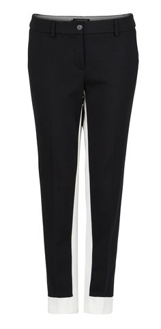 Keep it simple and get this black&white trousers from #LuisaCerano.