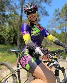 Female Cyclist, Cycling Girls, Cycle Chic, Bicycle Girl, Hot Bikes, Bike Life, Triathlon, Looking For Women, Mtb