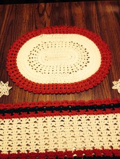 Crochet christmas placemat.  Red and white.