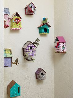 Tiny birdhouses for the craft room Kids Crafts, Diy Arts And Crafts, Felt Crafts, Home Crafts, Craft Projects, Projects To Try, Cardboard Crafts, Paper Crafts, Diy Y Manualidades
