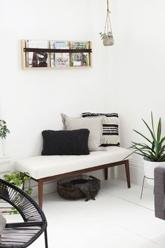 Minimal Living Room » The Merrythought